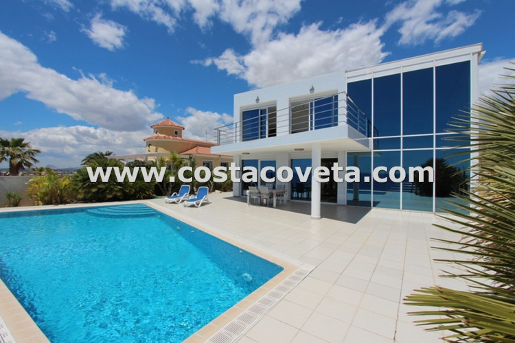 El Campello, Luxury modern villa with breathtaken sea views in la Coveta Fuma