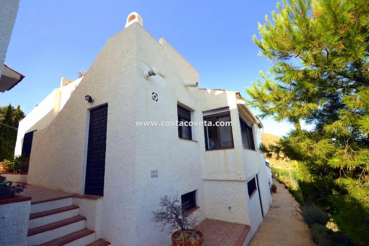 Fantastic semi-detached bungalow with supurb views at the Mediterreanean at la Coveta Fuma