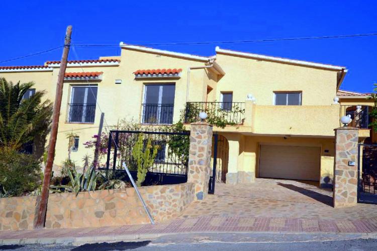 El Campello, Exclusive property with heated pool at la Coveta Fuma