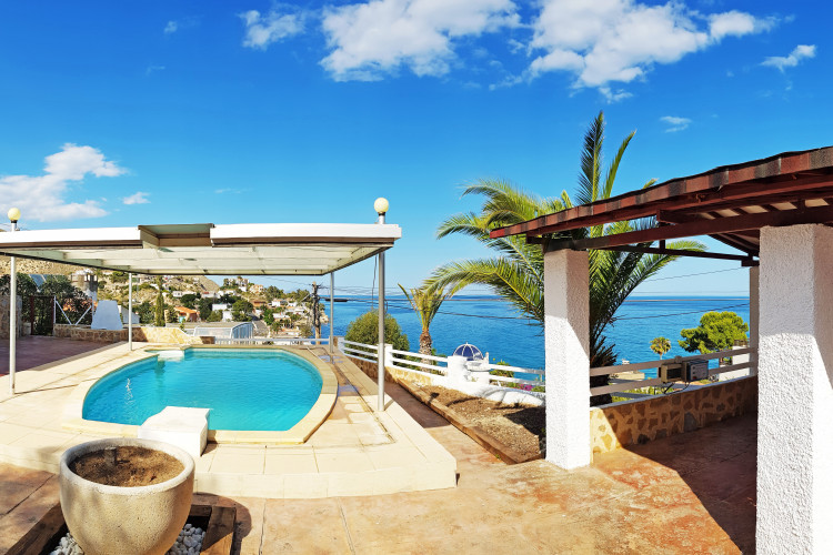 El Campello, Nice property with pool and amazing sea views near the sea