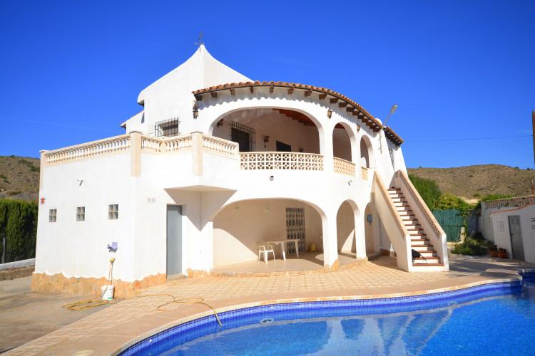 El Campello, Welcoming property in Ibiza style with pool at el Campello,  Venta Lanuza