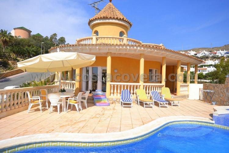 Modern and elegant property at la Coveta Fuma