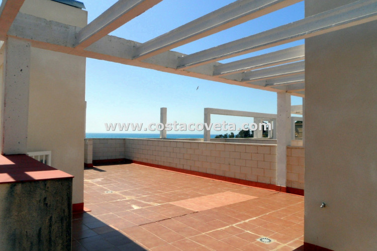 Beautiful brand new penthouse apartment with sea views and parking in Coveta Fuma