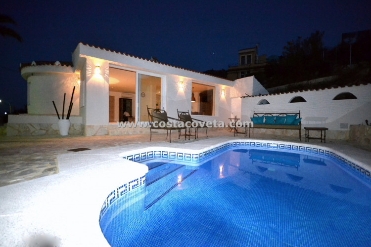 El Campello, Charming refurnished villa with pool in Cala D´Or