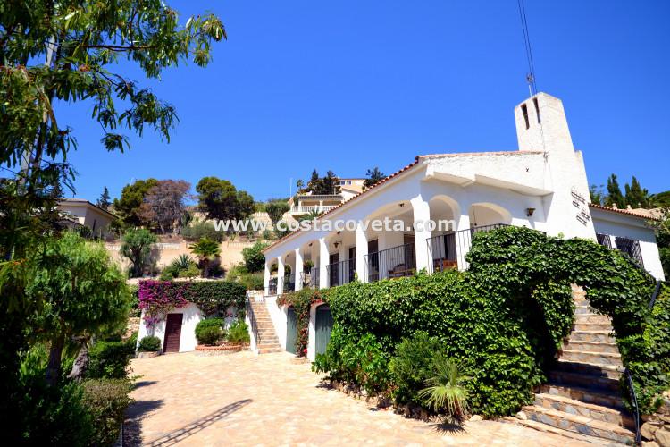 El Campello, Fantastic detached villa with pool in la Coveta Fuma