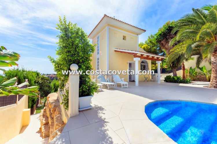 El Campello, Wonderful well maintained south facing property