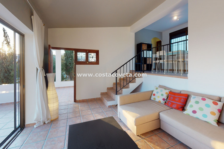 Very charming and bright property with amazing sea views