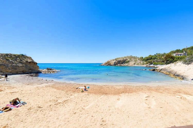 Romantic warm and cosy property near to a small sand cove at la Coveta Fuma