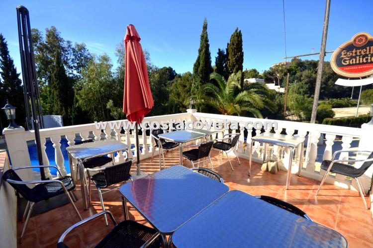 Wonderful café bar with a home in la Coveta Fuma