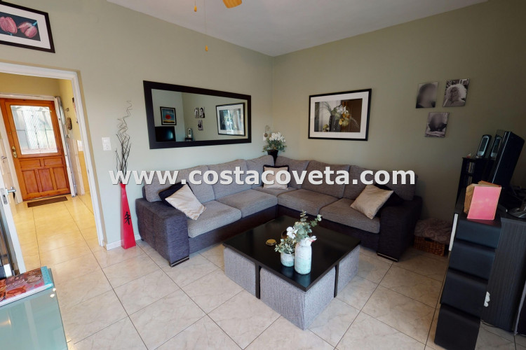 Modern refurbished corner apartment at only 2 minutes walking from the beach