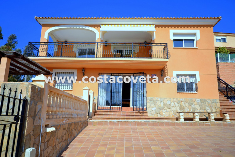 Villa in excellent condition with pool and Jacuzzi at La Coveta Fuma