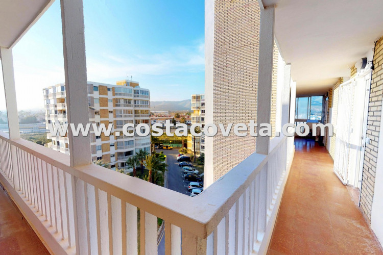 Apartment with stunning and wide Sea views,