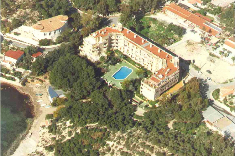 Wonderful apartment directly on the beach side in la Coveta Fuma