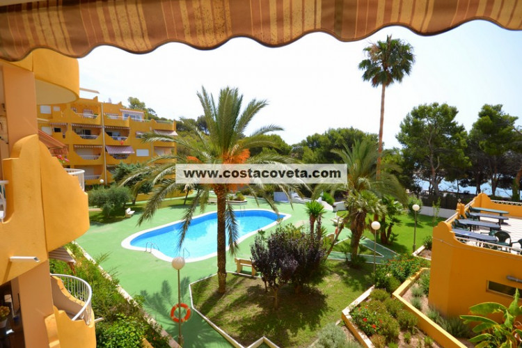 Wonderful apartment directly on the beach side in la Coveta Fuma