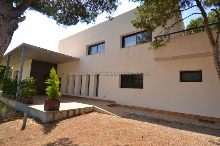 El Campello, Stylish modern villa is new constructed with large garden in Coveta Fuma El Campello