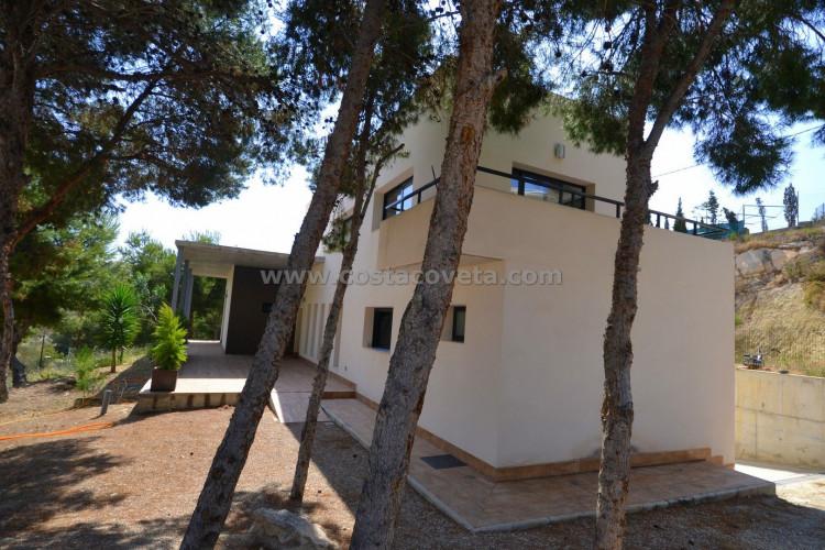 El Campello, Stylish modern villa is new constructed with large garden in Coveta Fuma El Campello
