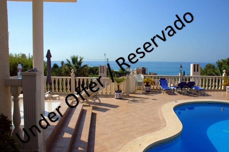 El Campello, Magnificent villa with pool in la Coveta Fumá.