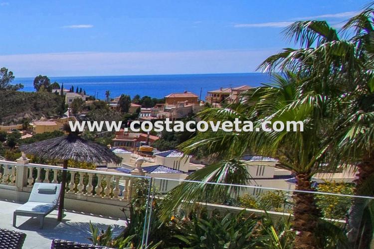 Beautiful modern villa with pool situated in coveta Fumá.