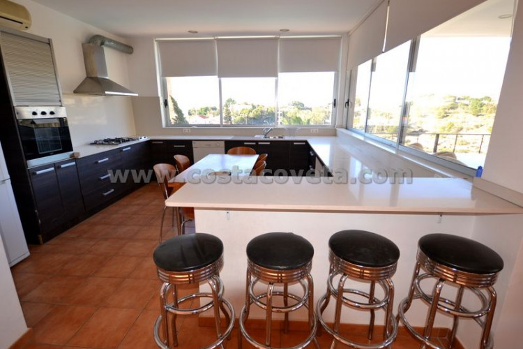 Impressive house built in 2008 en Coveta Fuma El Campello.