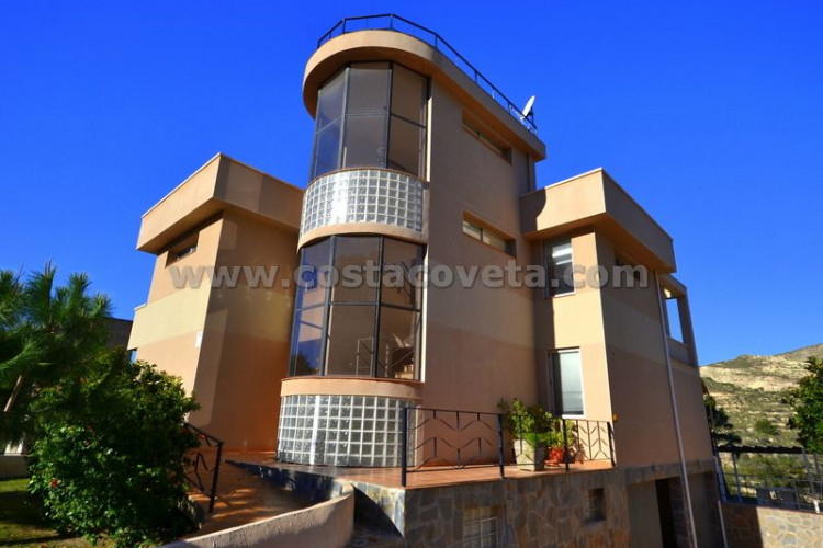 El Campello, Impressive house built in 2008 en Coveta Fuma El Campello.