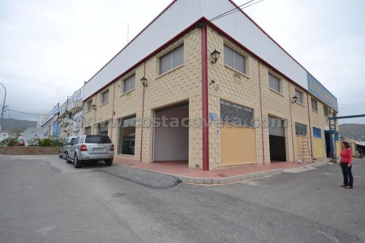 El Campello, A commercial building in the industrial area of El Campello.