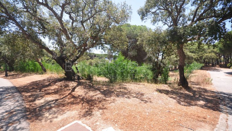Marbella East, Las Chapas, Plots in urban building land