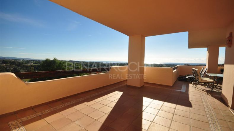 Apartment with views in Lomas del Conde Luque, Benahavis