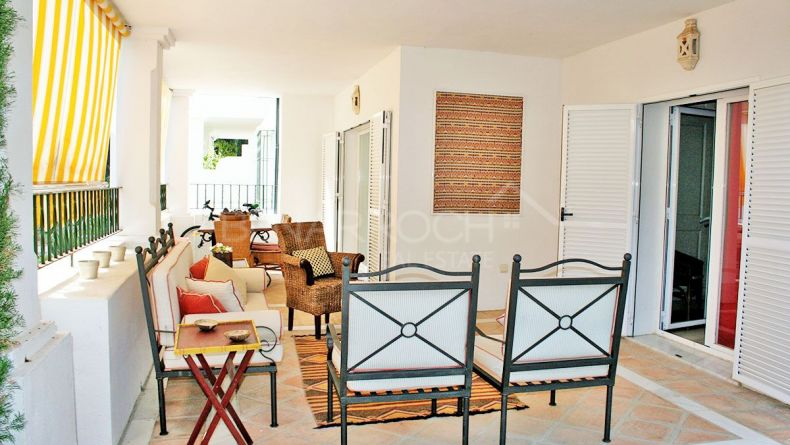 Ground floor apartment in the President, Estepona