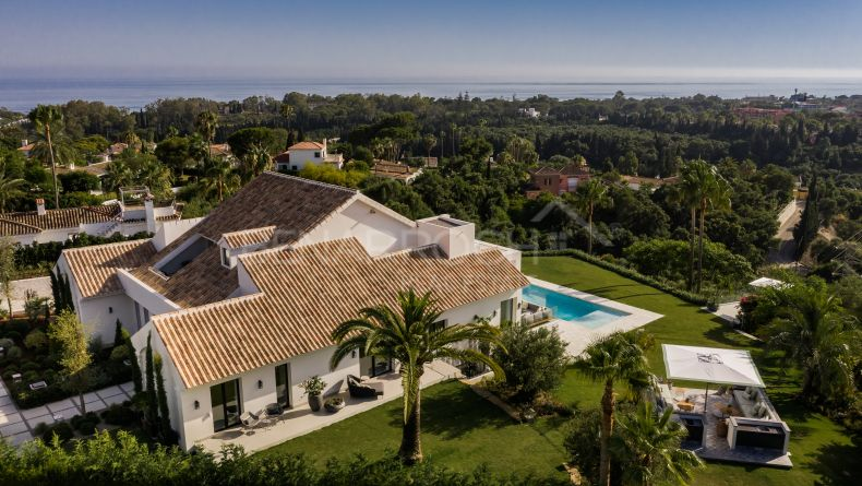 Villa with breathtaking views in Elviria, Marbella East