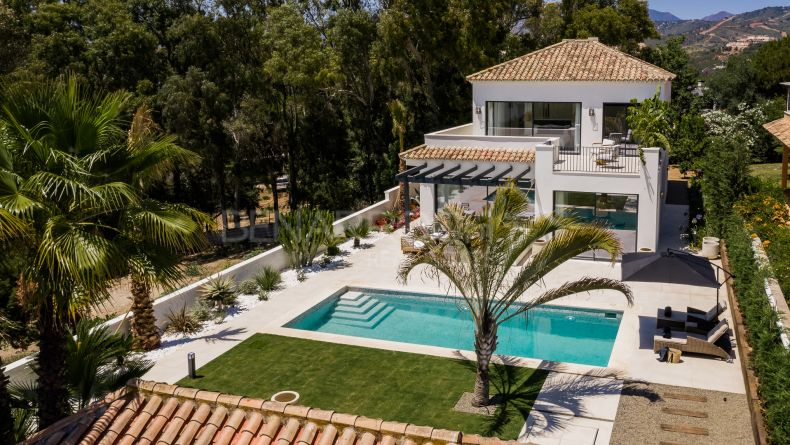Contemporary Andalusian style villa in Elviria, Marbella East