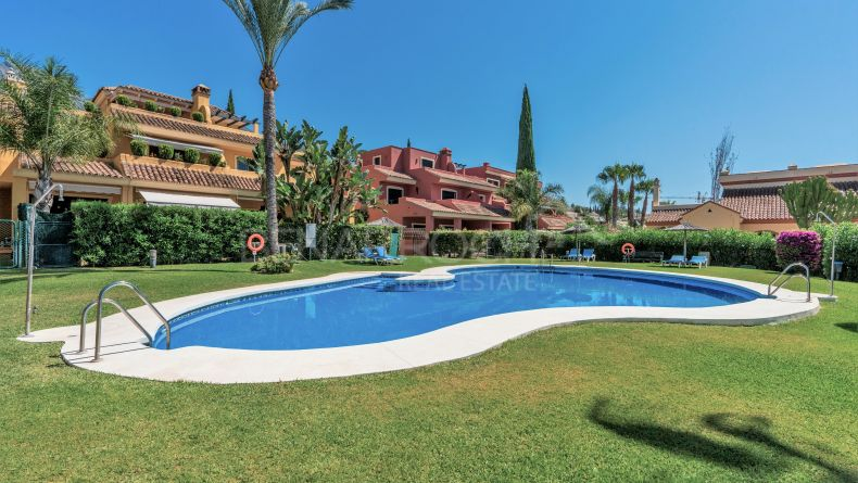Townhouse in El Tomillar de Nagueles, Marbella Golden Mile