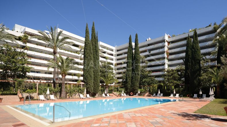 Luxury apartment in Don Gonzalo, Marbella Centre
