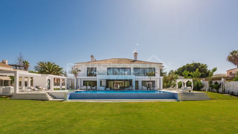 Villa in second line of beach in Casasola, Estepona