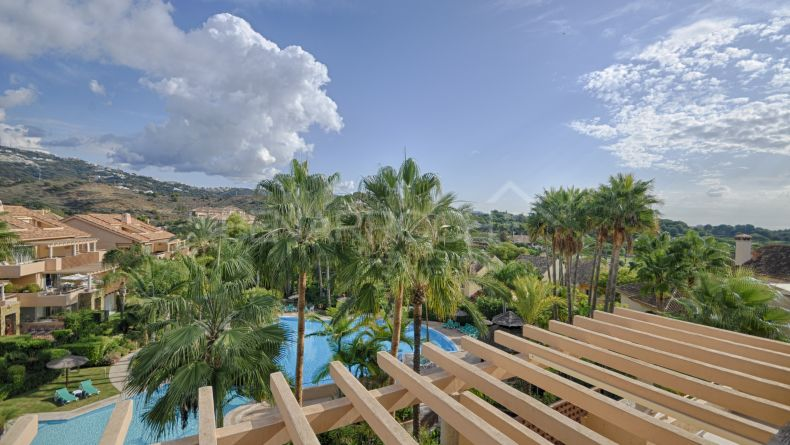 Fabulous duplex penthouse in Rio  Real, Marbella East