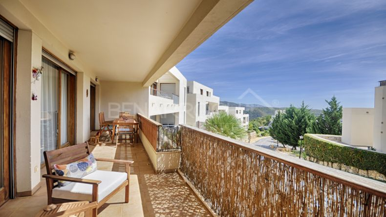 Large apartment in Lomas de los Monteros, Marbella East