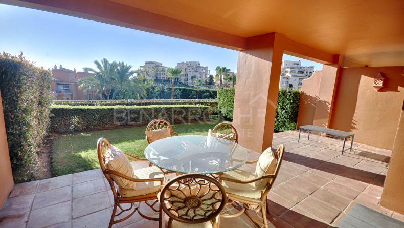 Ground floor apartment with views in Benatalaya, Estepona