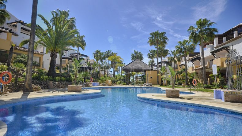 Two bedroom apartment in Las Arenas, Marbella East