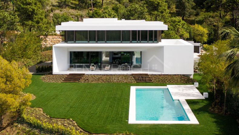 Contemporary style villa in El Bosque, Benahavis