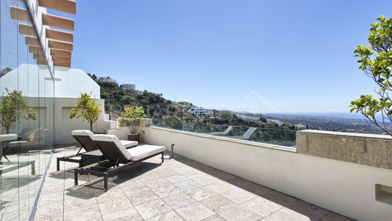 Marbella East, Duplex penthouse in Los Monteros Hill Club