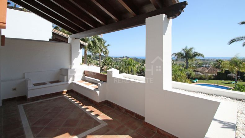 Semi-detached house in Mirador del Paraiso, Benahavis