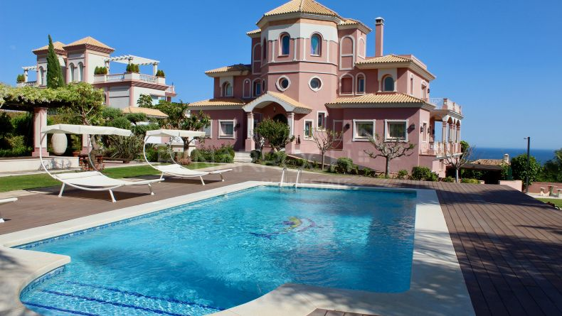 Luxury villa in Los Flamingos Golf, Benahavis