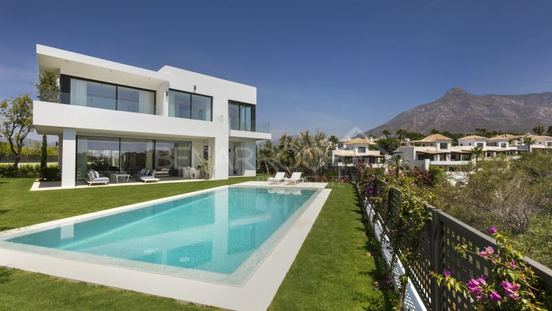 Villa in the residential Concept, Golden Mile, Marbella