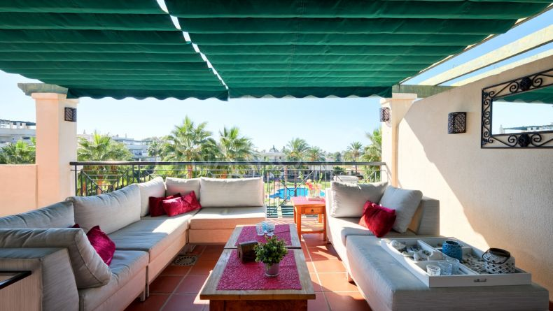 Two bedroom apartment in Nueva Andalucia, Lorcrimar