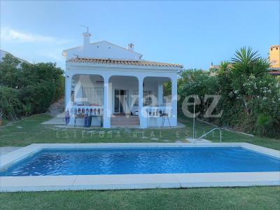 Villa en El Padron, Estepona