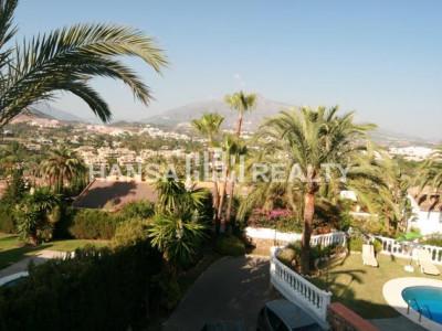 Villa for rent in Las Brisas, Nueva Andalucia