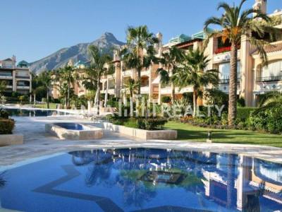Marbella: Apartamento Extraordinario en la Milla de Oro
