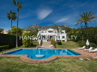 Splendid Sierra Blanca Villa with Spectacular Sea Views