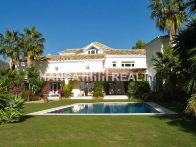 Andalucian style villa for sale in La Zagaleta