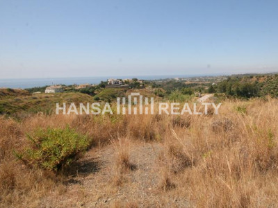 Estepona: Plot with Sea Views