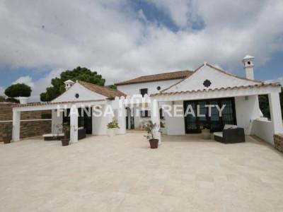Costa del Sol: Villa in Casares